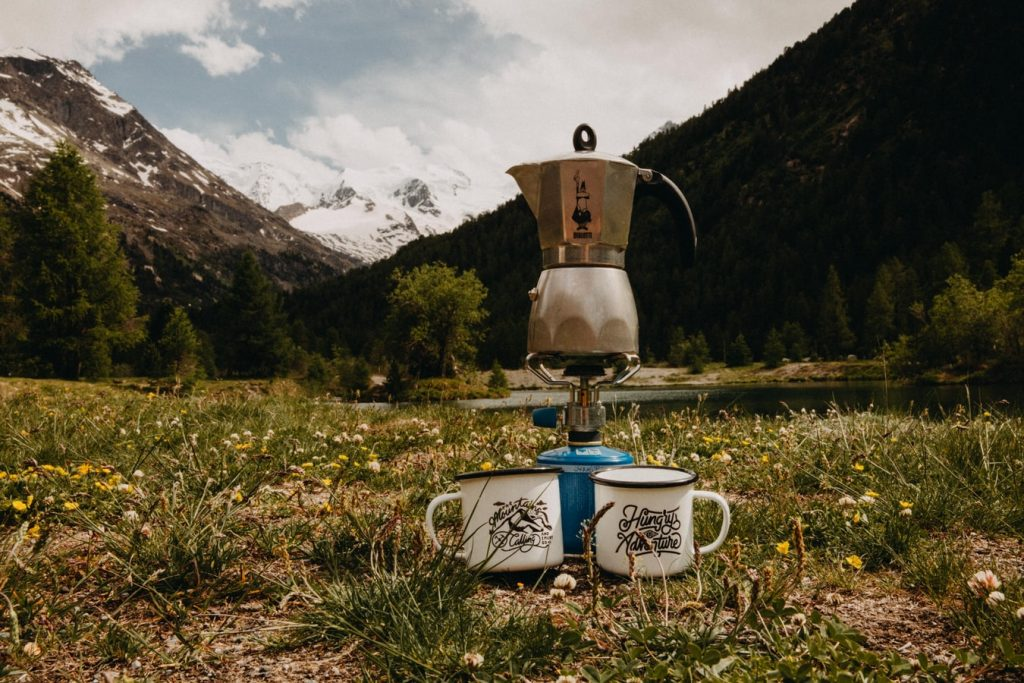 Camping coffee. Make coffee while camping with these nine methods