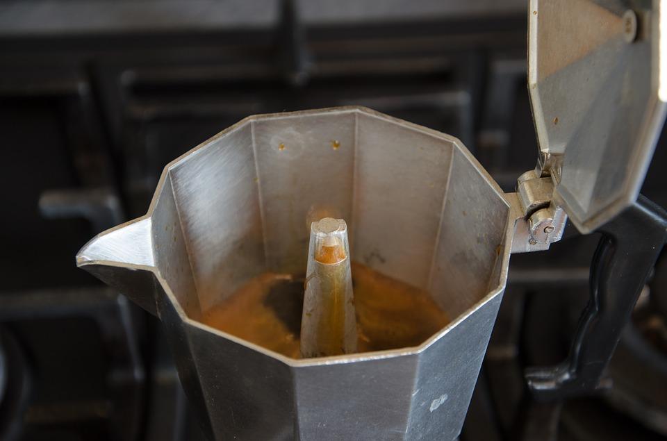 How to make espresso coffee with a Moka Pot