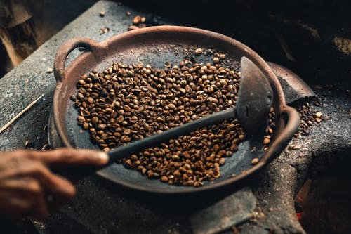 How to Choose the Best Home Coffee Roaster for At-Home Coffee Roasting